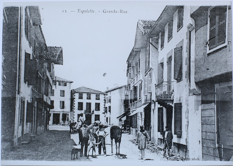 restauration ancienne photo Espelette
